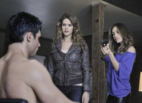 nikita_season_2_episode_12_sanctuary_13-6961-590-700-80.jpg