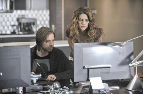 nikita_season_2_episode_12_sanctuary_16-6964-590-700-80.jpg