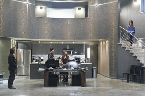 nikita_season_2_episode_12_sanctuary_7-6955-590-700-80.jpg