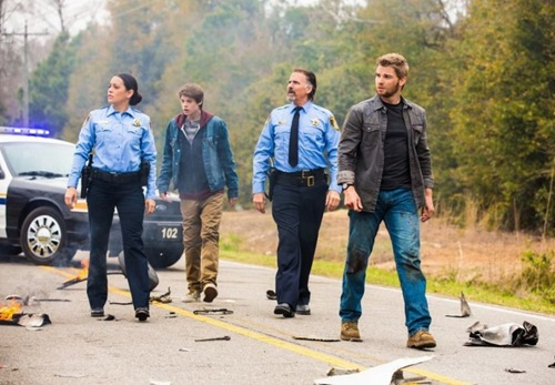 under-the-dome-1x01-05