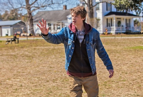 under-the-dome-1x01-12