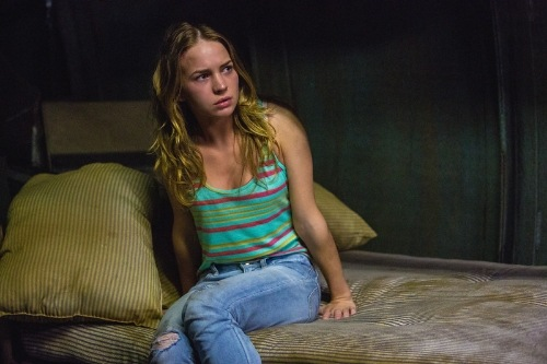 under-the-dome-1x01-13