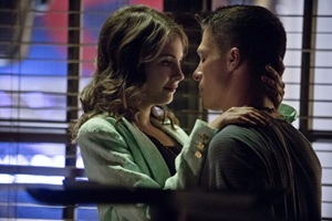 """Arrow -- """"City of Heroes"""" -- Image AR201b_0190b -- Pictured (L-R): Willa Holland as Thea Queen, and Colton Haynes as Roy Harper -- Photo: Cate Cameron/The CW -- © 2013 The CW Network. All Rights Reserved."""