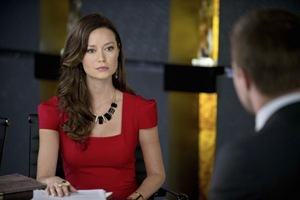 """Arrow -- """"City of Heroes"""" -- Image AR201a_0045b -- Pictured (L-R): Isabel Rochev as Summer Glau and Stephen Amell as Oliver Queen -- Photo: Cate Cameron/The CW -- © 2013 The CW Network. All Rights Reserved"""