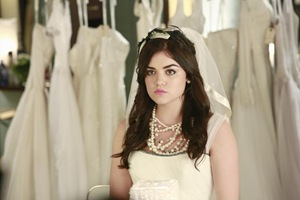 pretty-little-liars-Unbridled-06