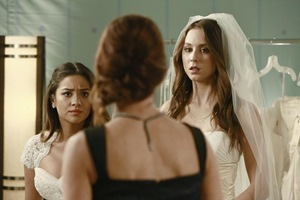 pretty-little-liars-Unbridled-09
