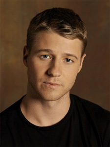 THE O.C.: Benjamin McKenzie as Ryan Atwood in THE O.C. premiering Thursday, Nov. 2 (9:00-10:00 PM ET/PT) on FOX. ©2006 Fox Broadcasting Co.  Cr: Michael Levine/FOX