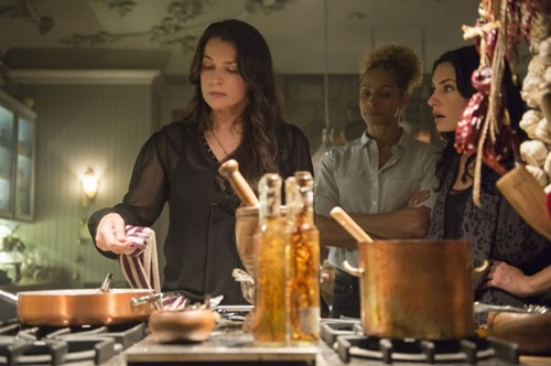 Witches-of-East-End-Season-2-Episode-5-Boogie-Knights-3