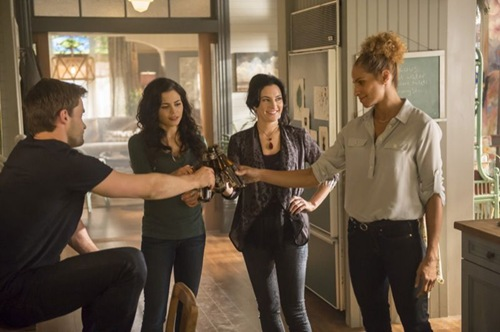 Witches-of-East-End-Season-2-Episode-5-Boogie-Knights-8