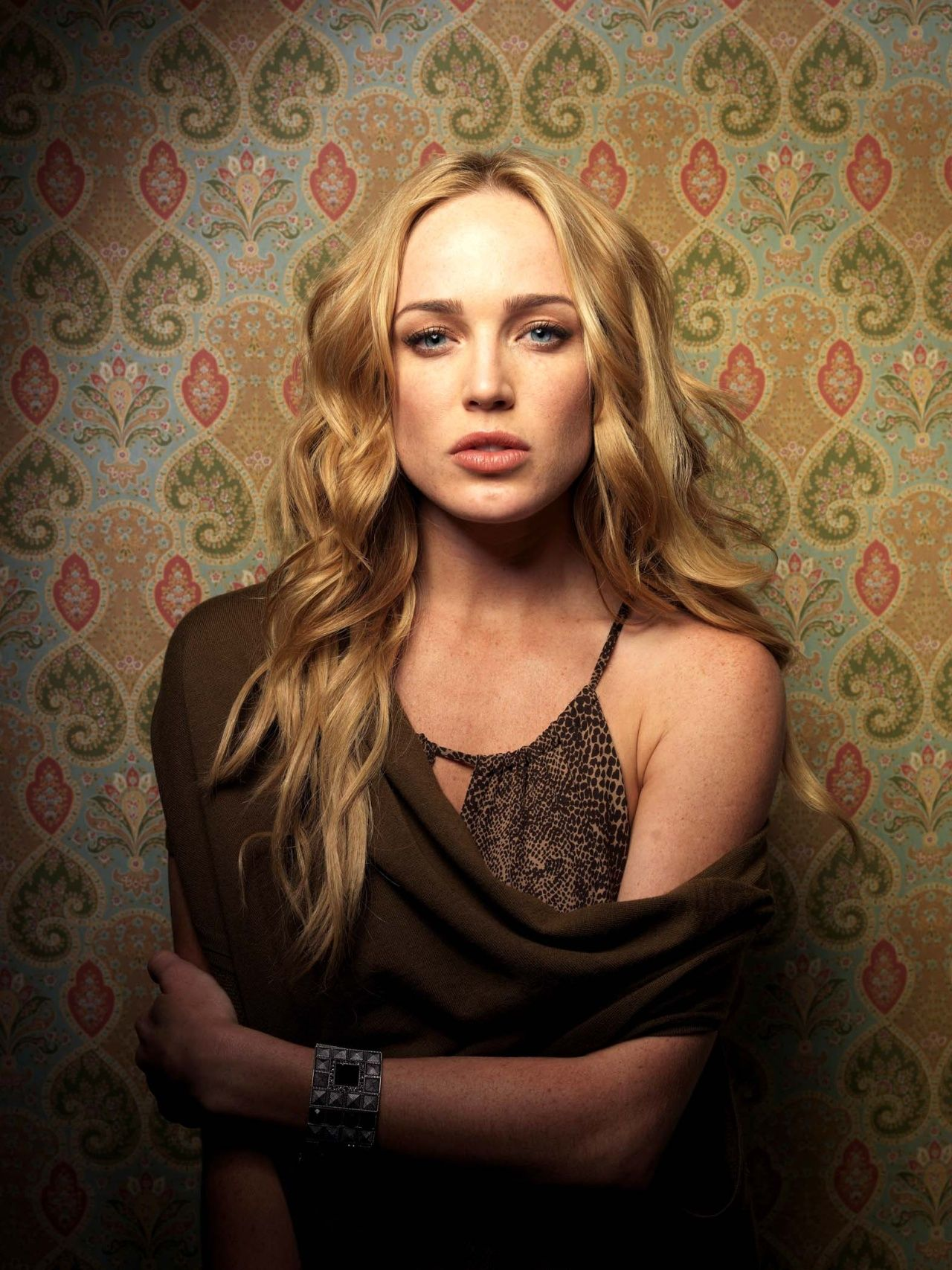 hot tv babe of the week��caity lotz ��������